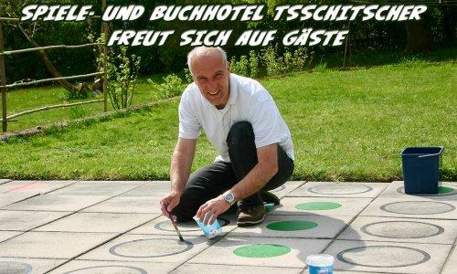 SPIELE- UND BUCHHOTEL TSSCHITSCHER // öffnet ab diesem Wochenende