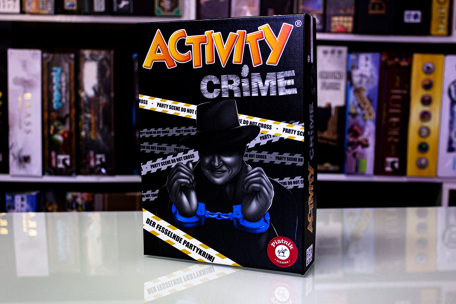 ACTIVITY - CRIME // Erste Bilder