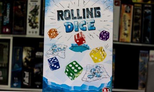 ROLLING DICE // ist Anfang 2021 erschienen